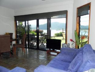 Airlie Waterfront Bed and Breakfast Whitsundays - Interior hotel