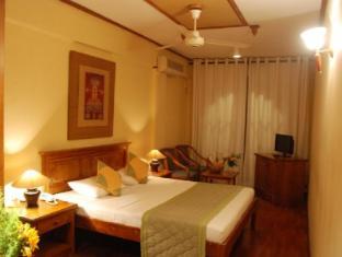 Hotel Casamara Kandy - Deluxe room with balcony