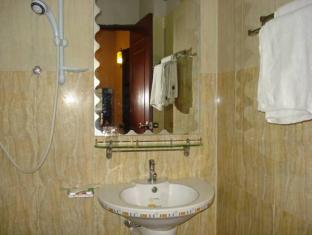 Circuit Hotel - Nana Hotel Phnom Penh - Bathroom