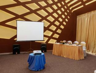 The Golden Crown Hotel South Goa - Meeting Room