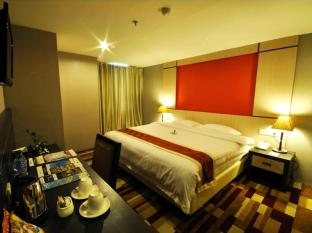 Hermes Palace Hotel Medan – Managed by Bencoolen Medan - Suite Room