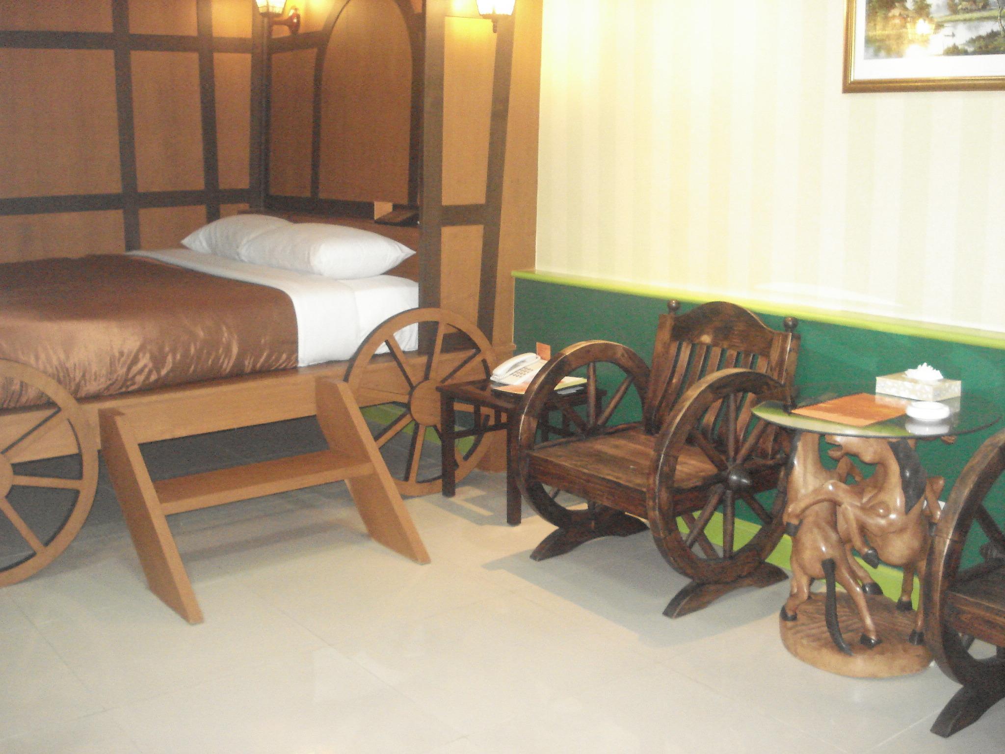 โรงแรมดิ แอดเวนเชอร์
