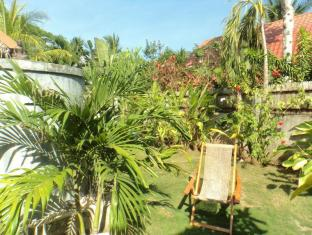 Alumbung Tropical Living Bohol - Vườn