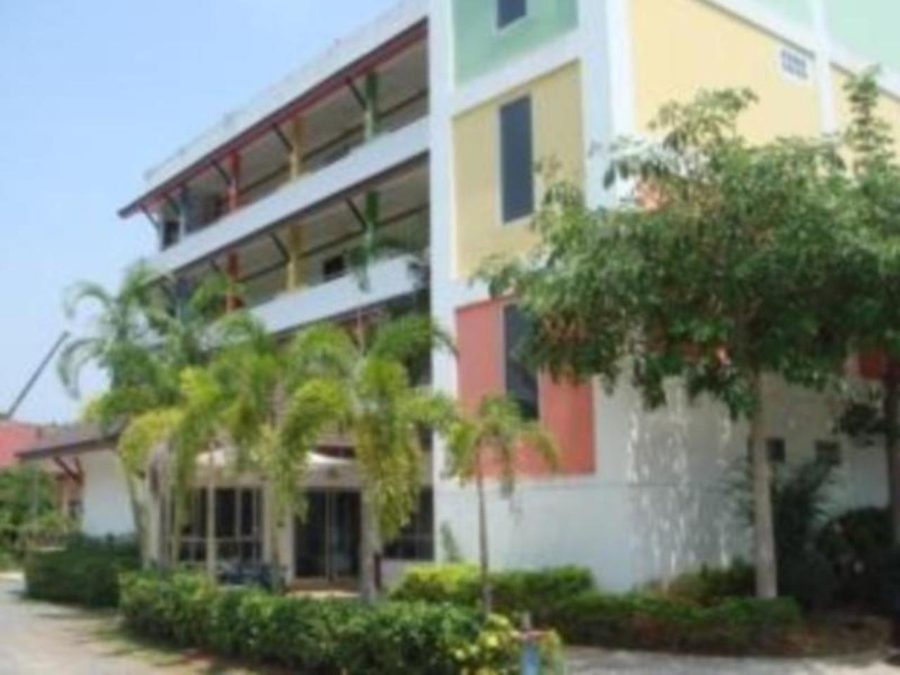 โรงแรม 22 ซีซั่น (22 Seasons Hotel)