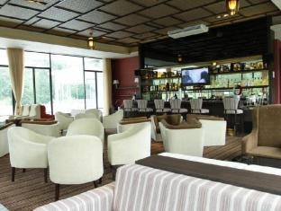 The Hill Hotel & Resort Sibolangit Berastagi - Executive Lounge