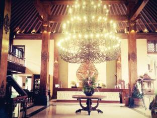 Laras Asri Resort & Spa Salatiga - Lobi