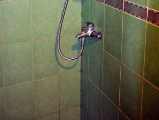Big Apple Hotel & Bar Davao - Salle de bain