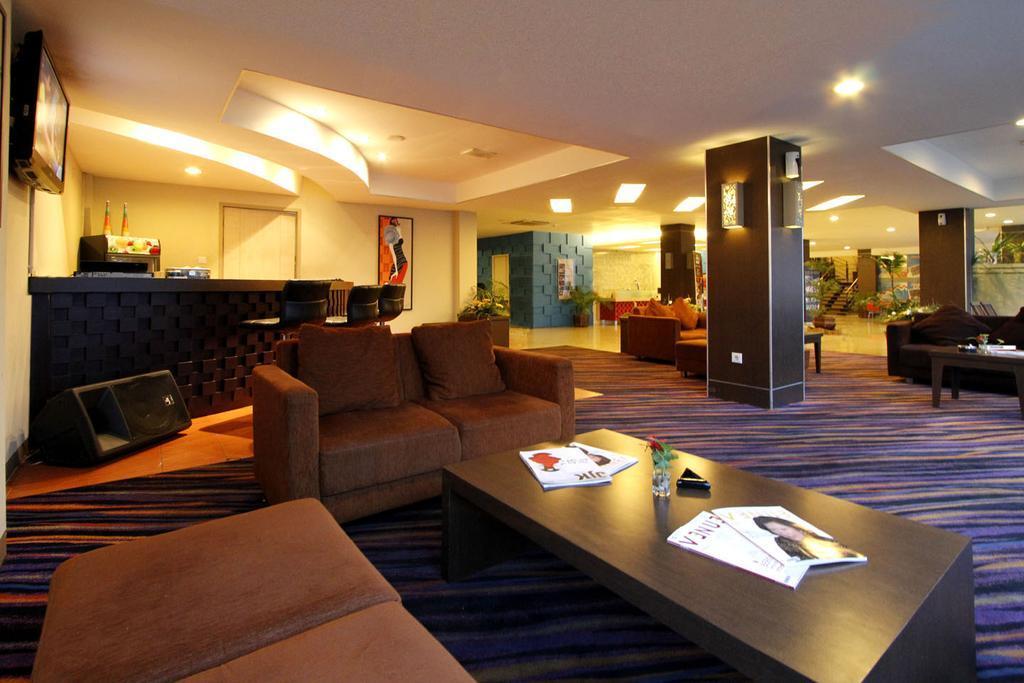 Hotel KLM Kurabesi Explorer - 6 Bedroom - Jl. Tj. Dofior, Malaingkedi, Sorong Manoi, Kota Sorong, Papua Bar. 98412, Indonesia - Sorong