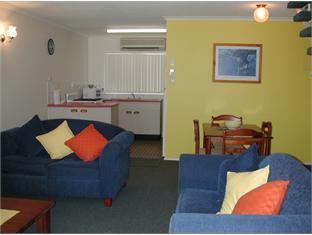 Bayshores Holiday Apartments5