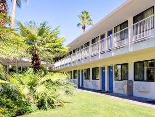 Coupons Motel 6-Palm Springs CA - East - Palm Canyon