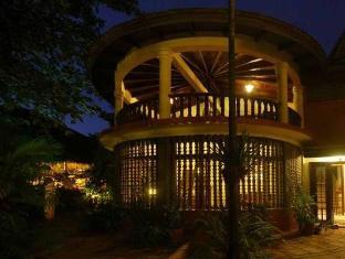Mysteres & Mekong Phnom Penh - Night View
