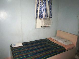 Philippines Hotel Accommodation Cheap   Star Plus Pension House Bacolod (Negros Occidental) - Air-Con Room