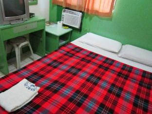 Philippines Hotel Accommodation Cheap | Star Plus Pension House Bacolod (Negros Occidental) - Air-Con Room