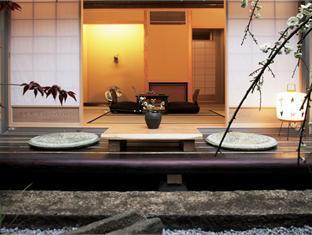 京町家旅館さくら (Kyomachiya Ryokan Sakura Hotel)