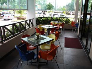 Samudra Court Hotel Kuching - balkon/terasa