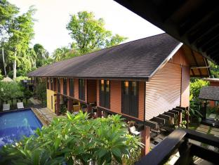 The Village House Kuching - Balkon/terasa