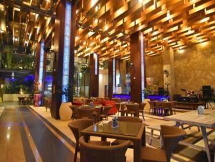The ONE Legian Hotel Bali - Hotellet indefra