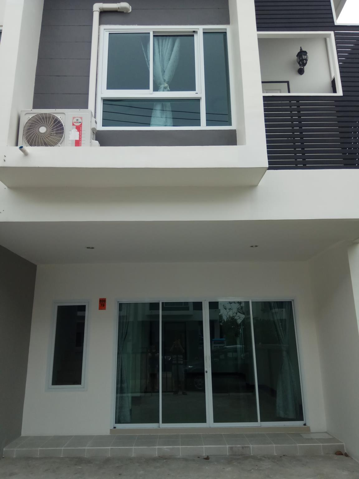 Private House with Gym ,Pool in Arinsiri Sukhumvit