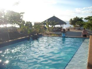 Talima Beach Villas & Dive Resort Cebu - Piscina