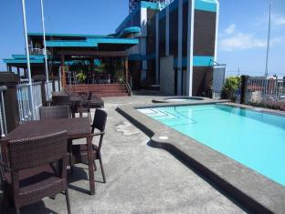 Hotel Cesario Mactan Island - Swimming Pool