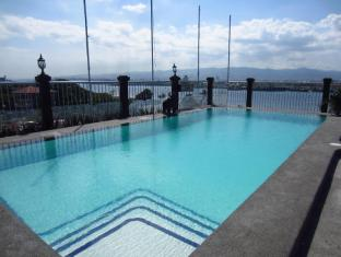 Hotel Cesario Cebu - Swimming Pool