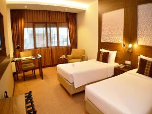 Hotel Grand Pacific Singapore - Hotellihuone
