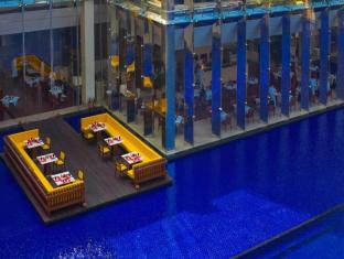 The Oberoi Hotel Gurgaon New Delhi and NCR - Dine on Deck