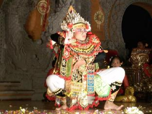 Batu Karang Lembongan Resort and Day Spa Bali - Balinese Ceremonies & Performances