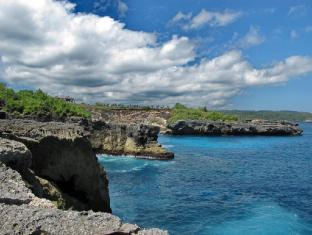 Batu Karang Lembongan Resort and Day Spa Bali - Surroundings