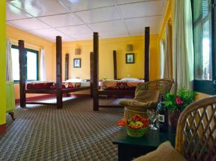 Maruni Sanctuary Lodge Chitwan - Chambre
