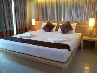 Chinotel Phuket - Deluxe Double Bed