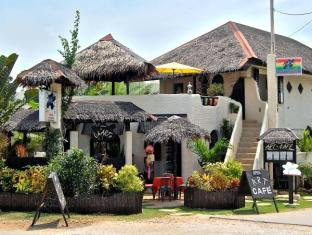 Charts Resort & Art Cafe Panglao Island - Resort Entrance