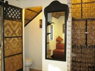 Charts Resort & Art Cafe Bohol - Garden Cottage