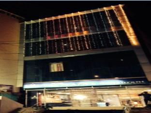 Hotel Royal Plaza Агра