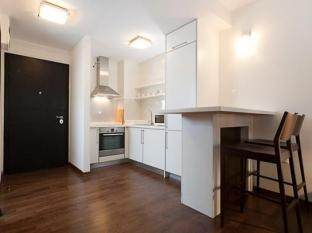 City Gardens Apartment Budapest - Studio Apartment Kitchen