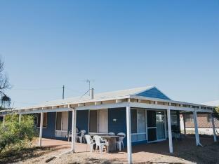 Review Bay Beach House, Peppermint Grove Beach Bunbury AU