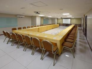 Golden Prince Hotel & Suites Cebu City - Meeting Room