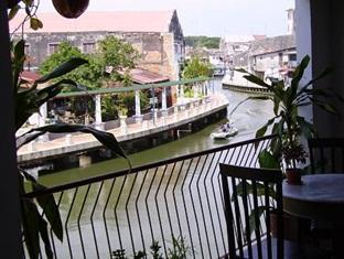 Riverview Guest House Malacca / Melaka - River View from Terrace
