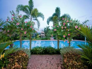 Villa Crisanta Batangas - Swimming Pool
