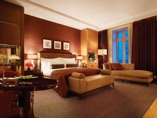 Corinthia Hotel London hotel accepts paypal in London