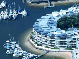 /bluewater-point-resort/hotel/sunshine-coast-au.html?asq=jGXBHFvRg5Z51Emf%2fbXG4w%3d%3d