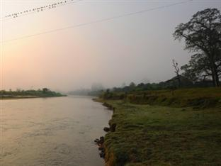 Rhino Lodge & Hotel Chitwan - River View
