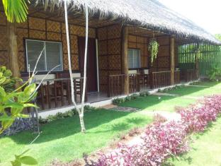 Villa Belza Resort Bohol - Queen Air condition Bungalows