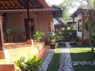 Nyoman Warta Accommodation Bali - Interior del hotel
