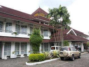 Crown Hotel Tasikmalaya
