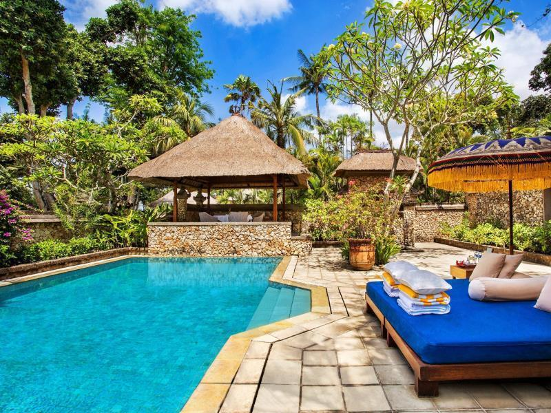 Luxury Garden View Villa With Pool