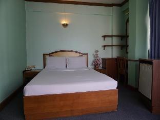 Tanaphat Hatyai Hotel guestroom junior suite