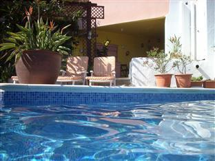 Azure Guest Villa Sitges - Swimming Pool