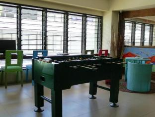 West Gorordo Hotel Cebu City - Foosball