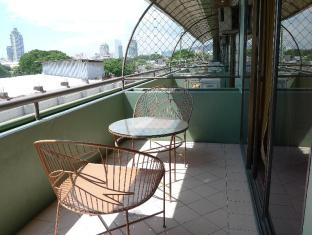 West Gorordo Hotel Cebu City - Balcony/Terrace